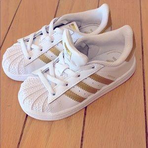 Adidas superstar toddler sneaker